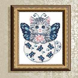 VKA5024. Kitten in butterflies