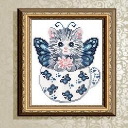 VKA5024. Котенок в бабочках