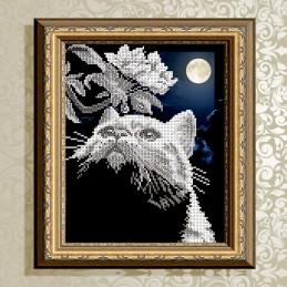 VKA4042. Кот с веточкой