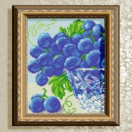 АТ5545. In crystal. Grapes....