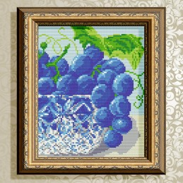 АТ5546. In crystal. Grapes....