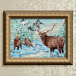 AT3008. Deer in winter forest