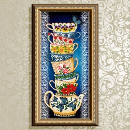 VKA3079. The cups on blue